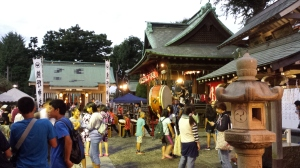To the left we have the shrine, to the right we have the taiko drummers!
