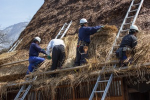 While the group was in one of the towns, a group of men were fixing one of the hay and grass roofs of the homes. This type of roof was used quite often historically, and is amazing that they still use it today.