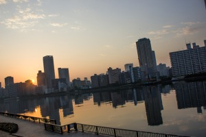 Since we had arrived a little too early, it was a perfect time to catch the sunrise on Tokyo Bay.