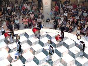One of many special performances that Ikebukuro's Sunshine 60 puts on every week. The loud music was heard throughout the mall and people on several different floors gathered to watch.