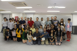 Group photo of Ichinosuke and TUJ students who attended Shamisen Night.