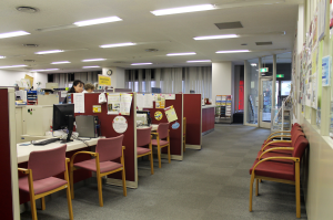 Academic advisors and the Student Activities Center are located in the TUJ Information Center located on the first floor of Azabu Hall.