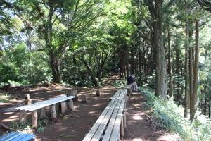 Mount Takao-Rest spot-Michael Kent-TUJ-FL15