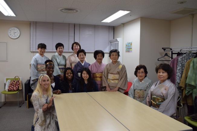 f16810_tokyo_group-photo_tamlynkurata
