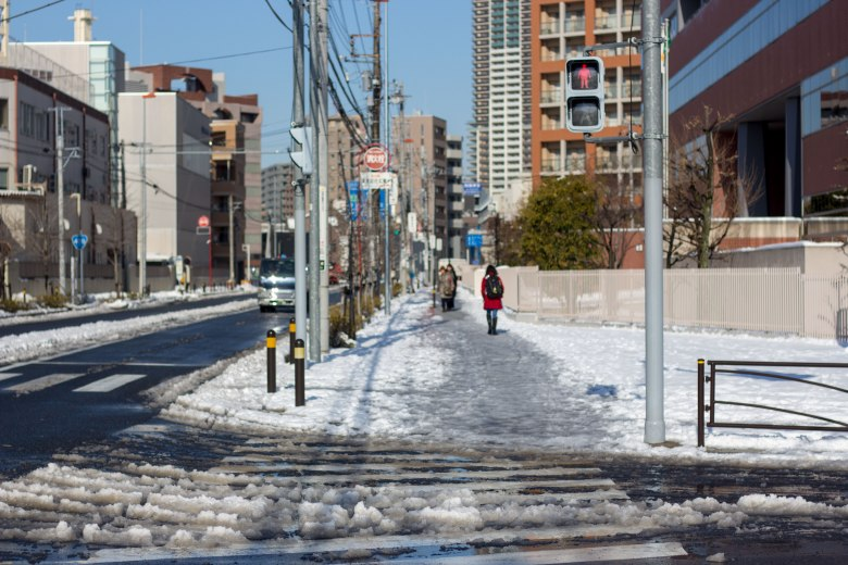 SP18210_Nakahara-ku_The-Snowy-Commute_KaylaAmador